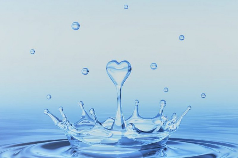 Water drop shaped as a heart